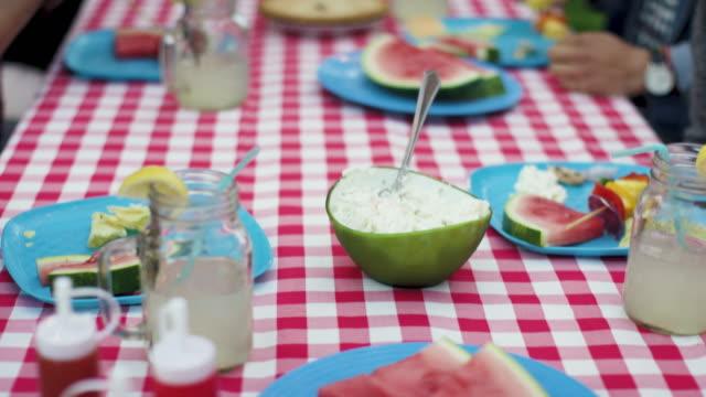 Genießen Sie die Mahlzeit – Video