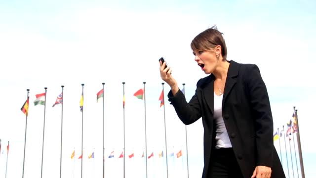 열정적인 비즈니스 여성 - 20 29세 스톡 비디오 및 b-롤 화면