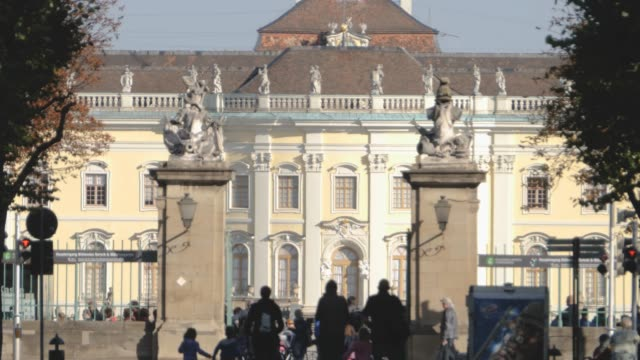 Entrance gate at Ludwigsburg - zoom out video