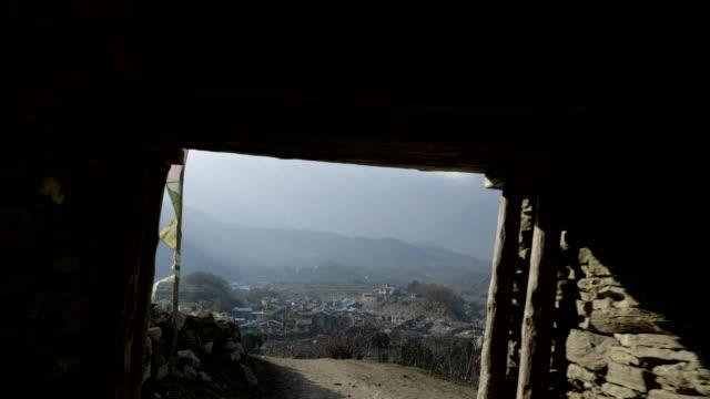 ネパール村様ガオン山間への入り口です。 - ネパール人点の映像素材/bロール