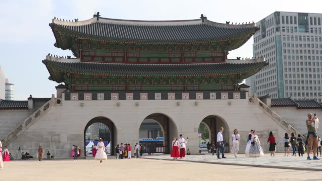 Entrance in Gyeongbokgung Palace in Seoul,South Korea Gyeongbokgung Palace in Seoul,South Korea gyeongbokgung stock videos & royalty-free footage