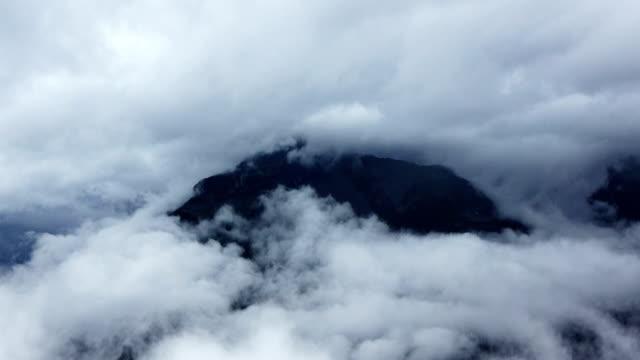 Enveloping Clouds video