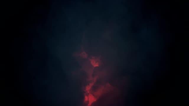 壮大な雷の嵐と暗い雲 - 不吉点の映像素材/bロール