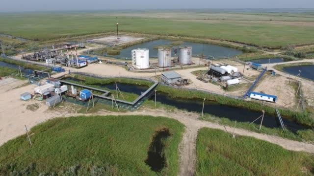 Equipment for the drying gas and condensate collection. Top view. video