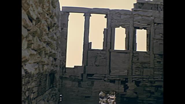 erechtheion temple greece - adulazione video stock e b–roll