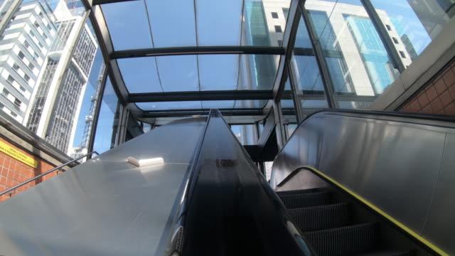 escalator in subway station - são paulo video stock e b–roll