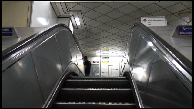 (HD1080i) Escalator Up: London Underground Tube video