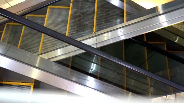 escalator - escalator video stock e b–roll