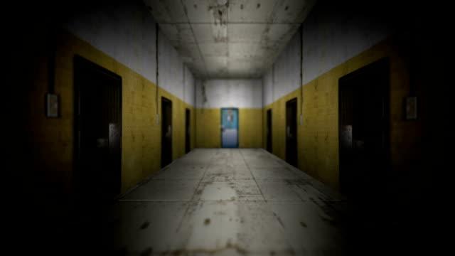 刑務所の喧騒から離れて、緑色の画面 - 日常から抜け出す点の映像素材/bロール
