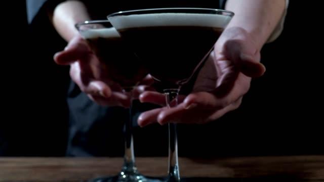 espresso martini - martini bildbanksvideor och videomaterial från bakom kulisserna