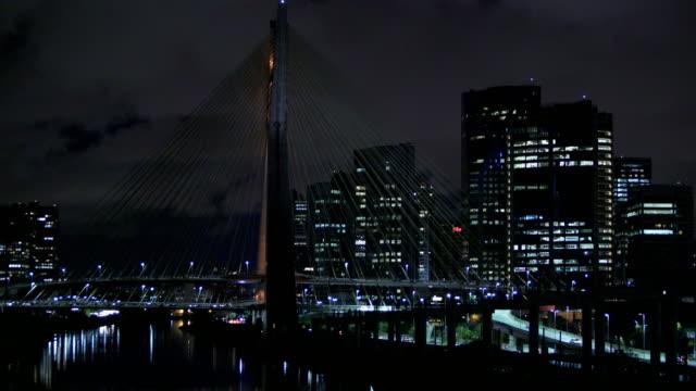 estaiada bridge in são paulo, octavio frias - realtid bildbanksvideor och videomaterial från bakom kulisserna