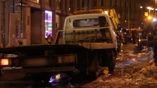 evacuation of the car - rimorchiatore video stock e b–roll