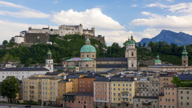 kvällen österrikiska salzburg. tidsfördröjning - videor med salzburg bildbanksvideor och videomaterial från bakom kulisserna