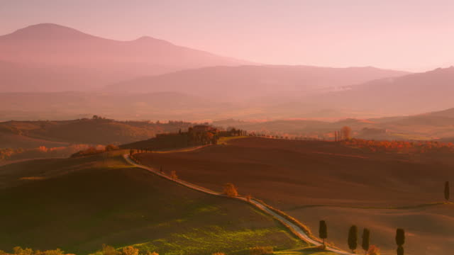 Evening in the Valley of Tuscany. Time Lapse UHD video