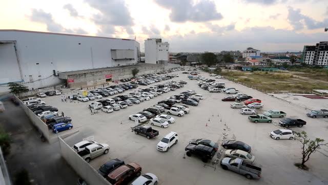 Evening scene of Carparking video