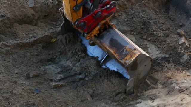 HD: Excavator