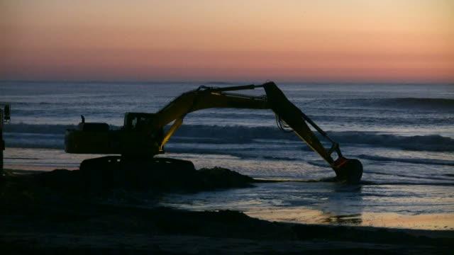 excavator - excavator bildbanksvideor och videomaterial från bakom kulisserna