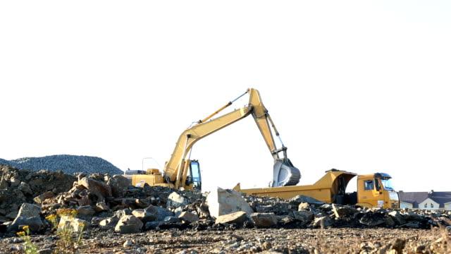grävmaskin som arbetar - excavator bildbanksvideor och videomaterial från bakom kulisserna