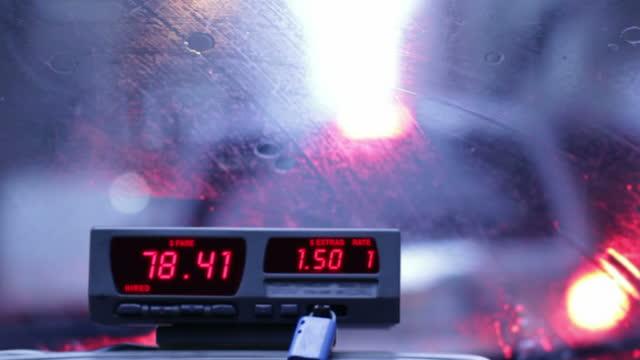costo taxi - fare video stock e b–roll