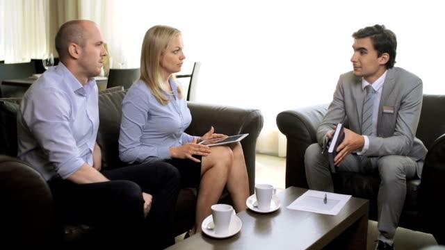 vidéos et rushes de expert de consultation - notaire