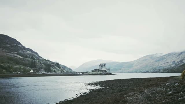 exploring wilderness. mountain lake. scotland - fort william video stock e b–roll