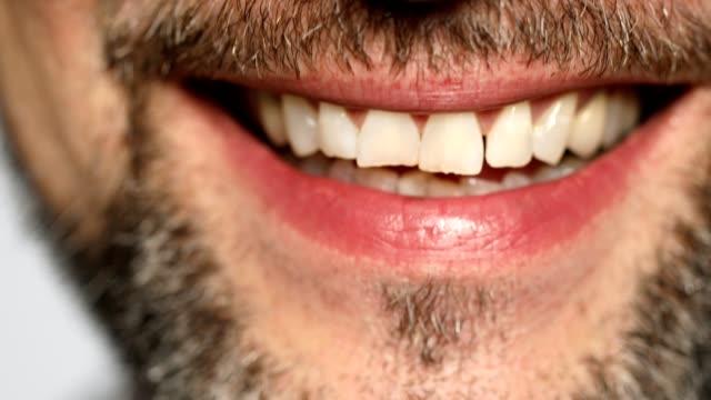extrem närbild av mogen man ler - 50 54 år bildbanksvideor och videomaterial från bakom kulisserna