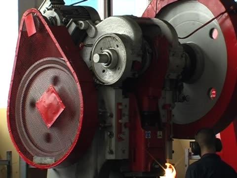 extruder - kürzer als 10 sekunden stock-videos und b-roll-filmmaterial