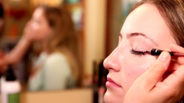 Eyeliner Close Up Application video