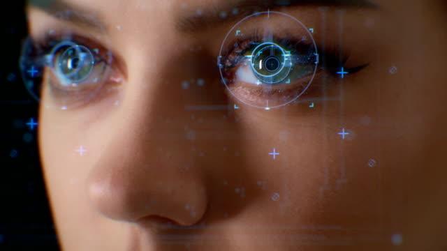 面容 id。面部識別系統。面部檢測點和貪婪。未來和技術3d掃描一個美麗的女人的臉面部識別。解 鎖 - 人造的 個影片檔及 b 捲影像