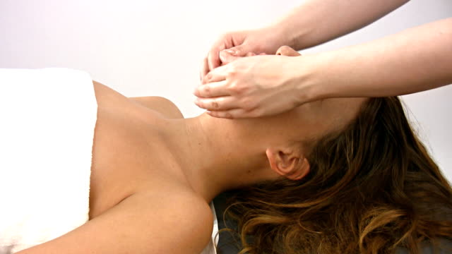 Face massage treatment video