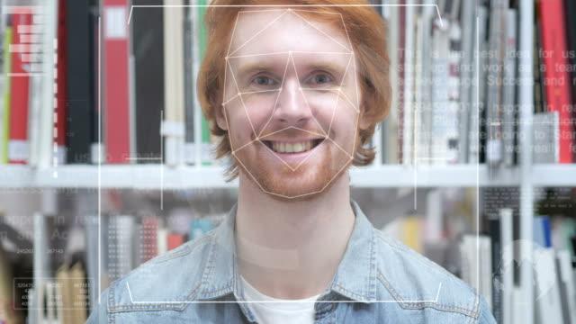 vídeos de stock, filmes e b-roll de reconhecimento de face, rosto de segurança scan - acessibilidade