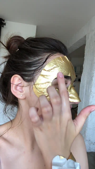 facial mask tutorial - influencer filmów i materiałów b-roll