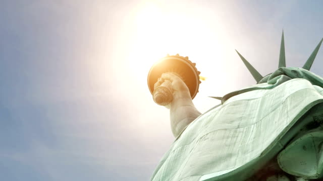 DOLLY Facing up: New York liberty statue video