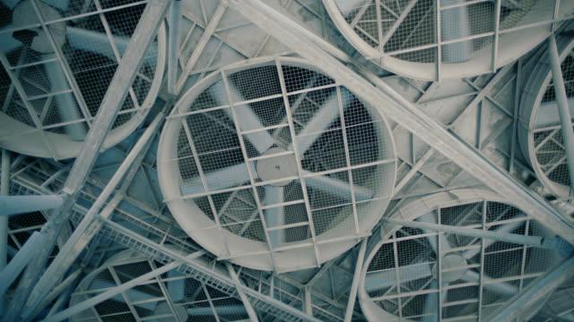 factory kyltorn och stora propellrar - ventilation bildbanksvideor och videomaterial från bakom kulisserna