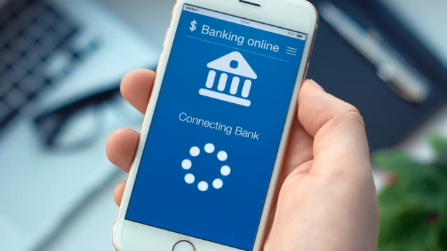 failed connecting to the bank account on banking app on the smartphone - conto corrente video stock e b–roll