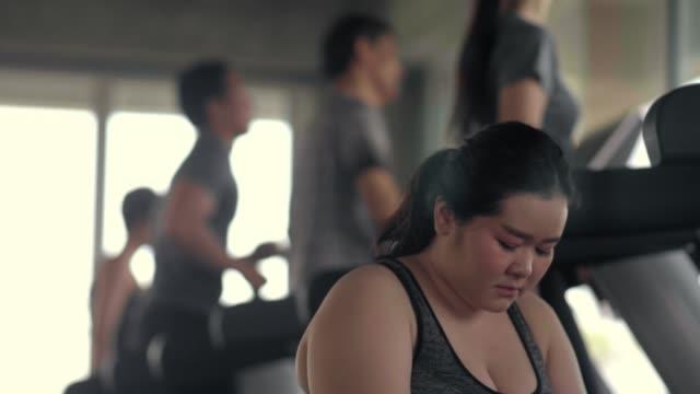 stockvideo's en b-roll-footage met mislukte begrippen - overgewicht