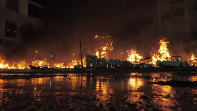 ラ・クレマの夜に燃え尽きたファラ - 全壊点の映像素材/bロール