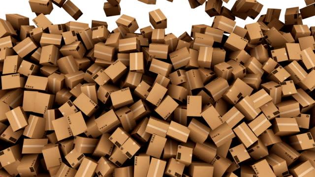 hd : cadere giù scatola di cartone con alfa opaco. - catasta video stock e b–roll