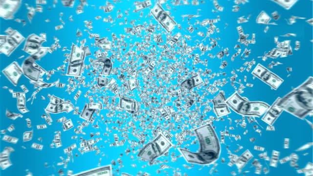 fallande pengar. - spendera pengar bildbanksvideor och videomaterial från bakom kulisserna