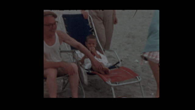 1957 family day at the beach