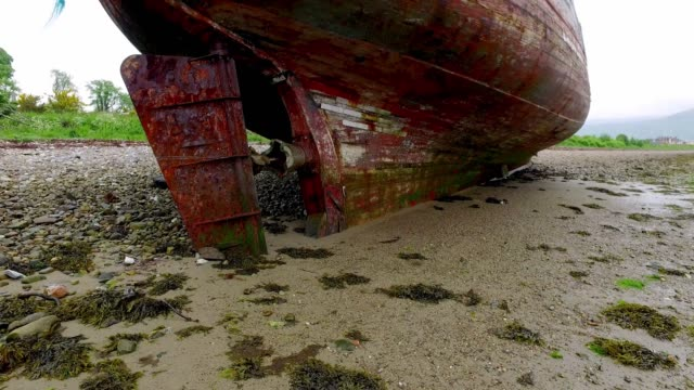 famous old ship wreck in fort william, scotland, europe - fort william video stock e b–roll