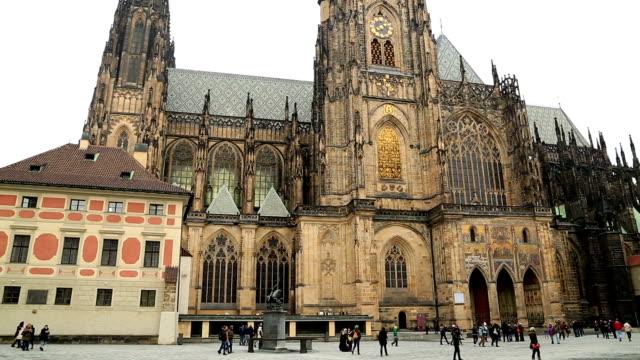 vidéos et rushes de célèbre cathédrale saint-guy à prague - saint nicolas
