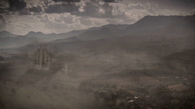 ファンタジー城の田舎にトランシルヴァニアヴァレイ - 竜点の映像素材/bロール