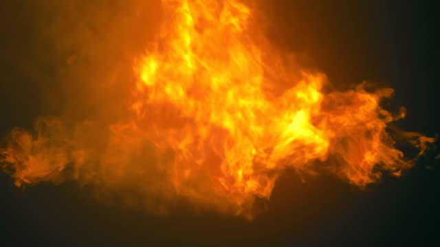 fantasy girato con un impatto fuoco ardente con canale opaco alfa. elemento di progettazione video. rendering 3d. risoluzione hd - inferno video stock e b–roll