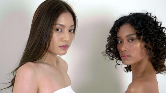 Couples de modèle de mode - Vidéo