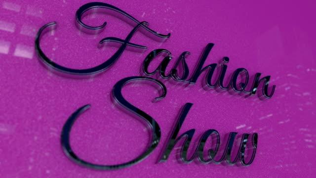 vídeos de stock, filmes e b-roll de título de show de moda no estilo de cromo metálico - moda parisiense