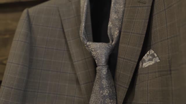 vídeos y material grabado en eventos de stock de chaqueta elegante de moda con lazo de cerca - corbata