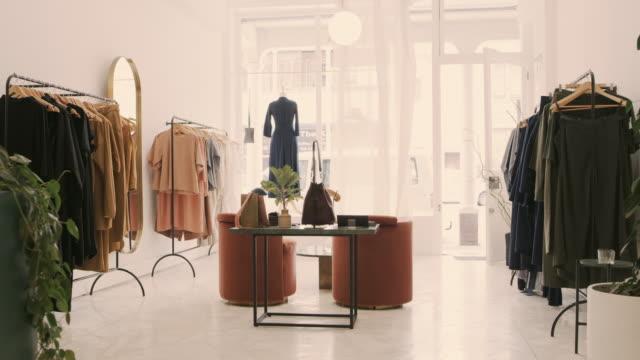 ファッションの避難所 - テーブル 無人のビデオ点の映像素材/bロール