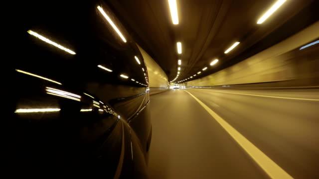 hızlı şehir sürücü - trafik zaman atlatma stok videoları ve detay görüntü çekimi