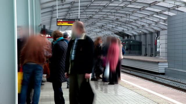 fast departure of trains from the platform. - intercity filmów i materiałów b-roll